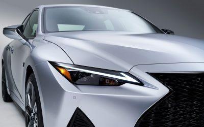 Lexus IS: Τι άλλαξε στο ιαπωνικό σπορ sedan; (video)