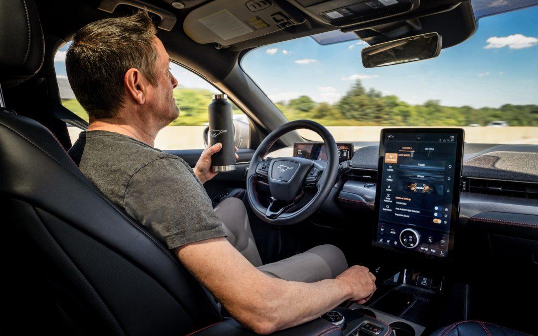 Ford: Αυτόνομη οδήγηση χωρίς χέρια, υπό προϋποθέσεις