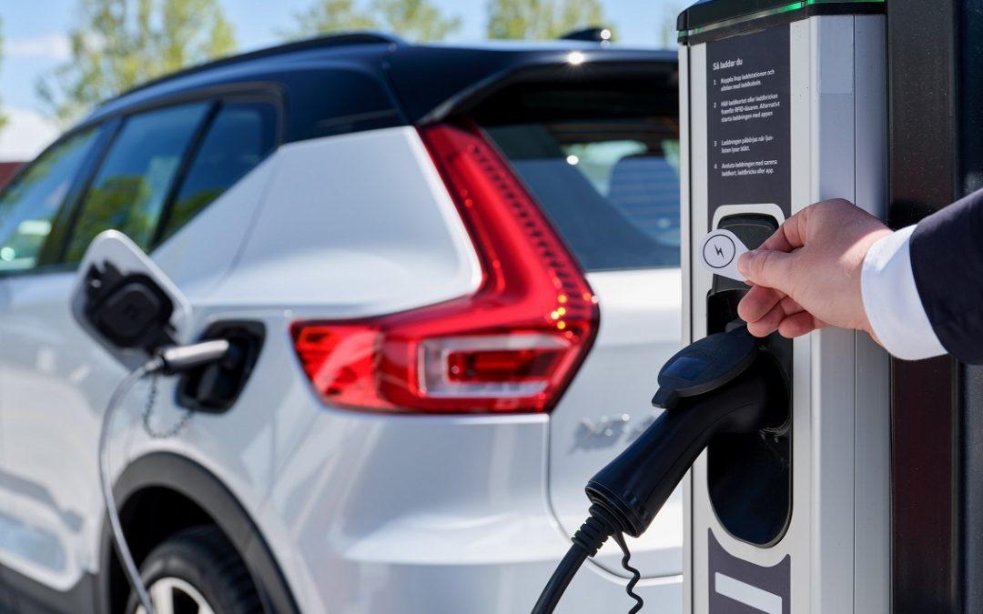 Volvo: Λύνει το πρόβλημα φόρτισης των ηλεκτρικών μοντέλων