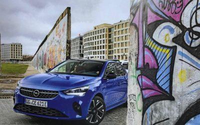 Οpel Corsa: Στο Τείχος του Βερολίνου