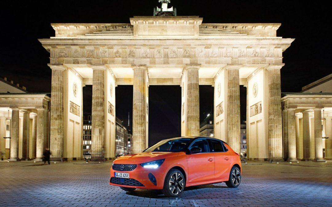 Opel Corsa-e: Στην Πύλη του Βρανδεμβούργου