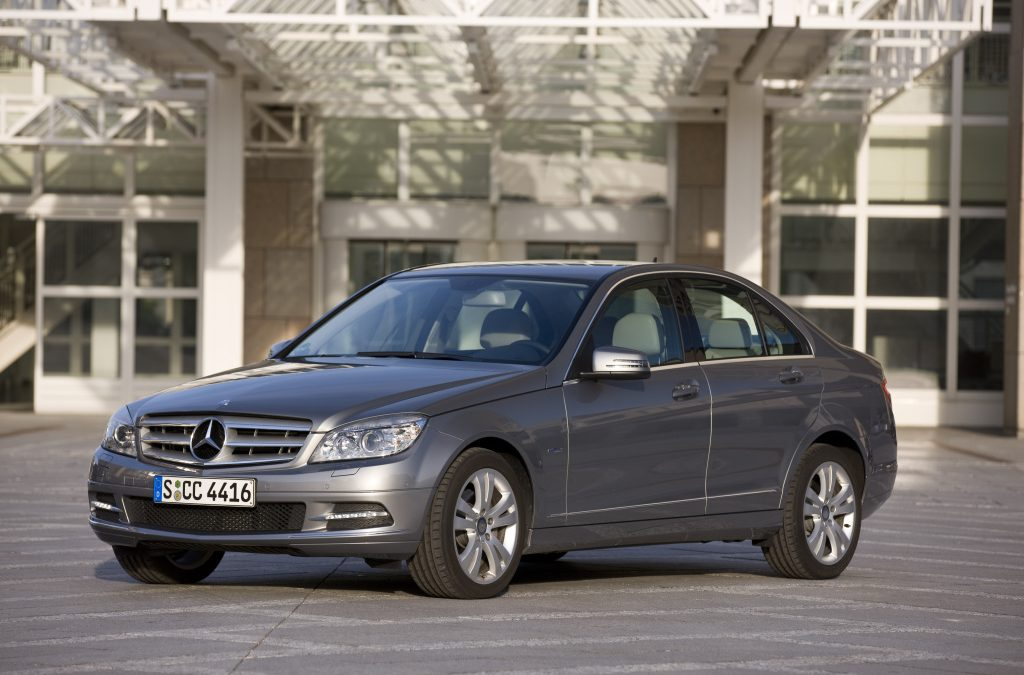 Mercedes: Ανακαλούνται στην Ελλάδα 368 C-Class και Ε-Class