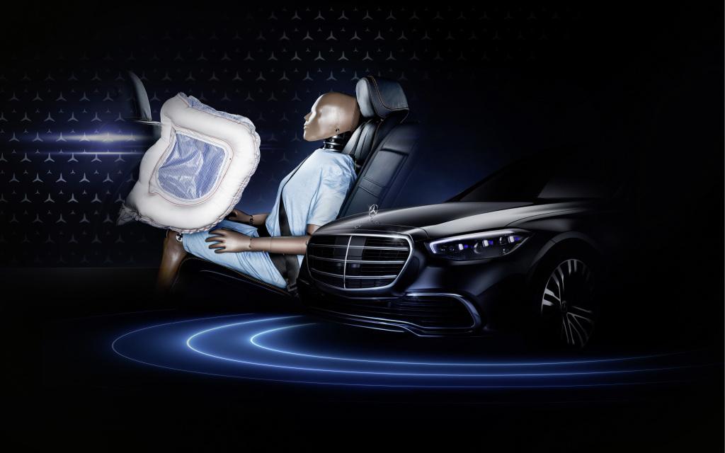 Νέα Mercedes S-Class: Η πρώτη με αερόσακους για τους πίσω επιβάτες