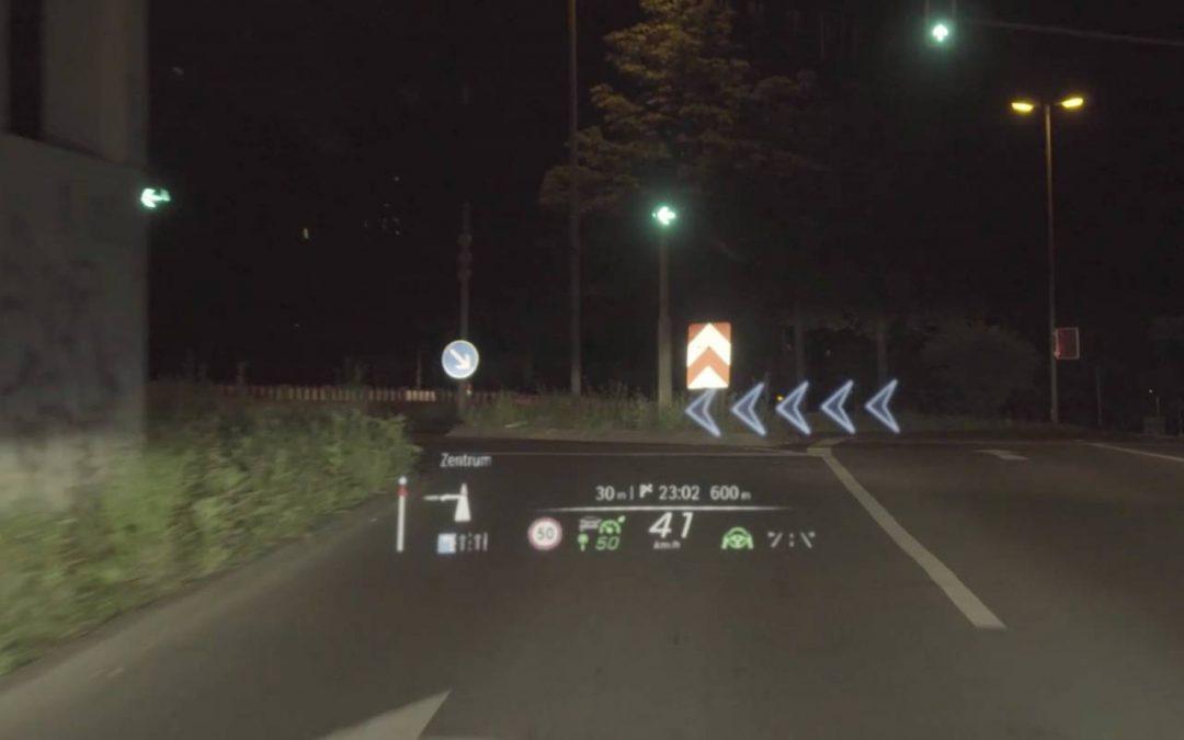 Νέα Mercedes S-Class: Πώς χρησιμοποιεί την επαυξημένη πραγματικότητα; (video)