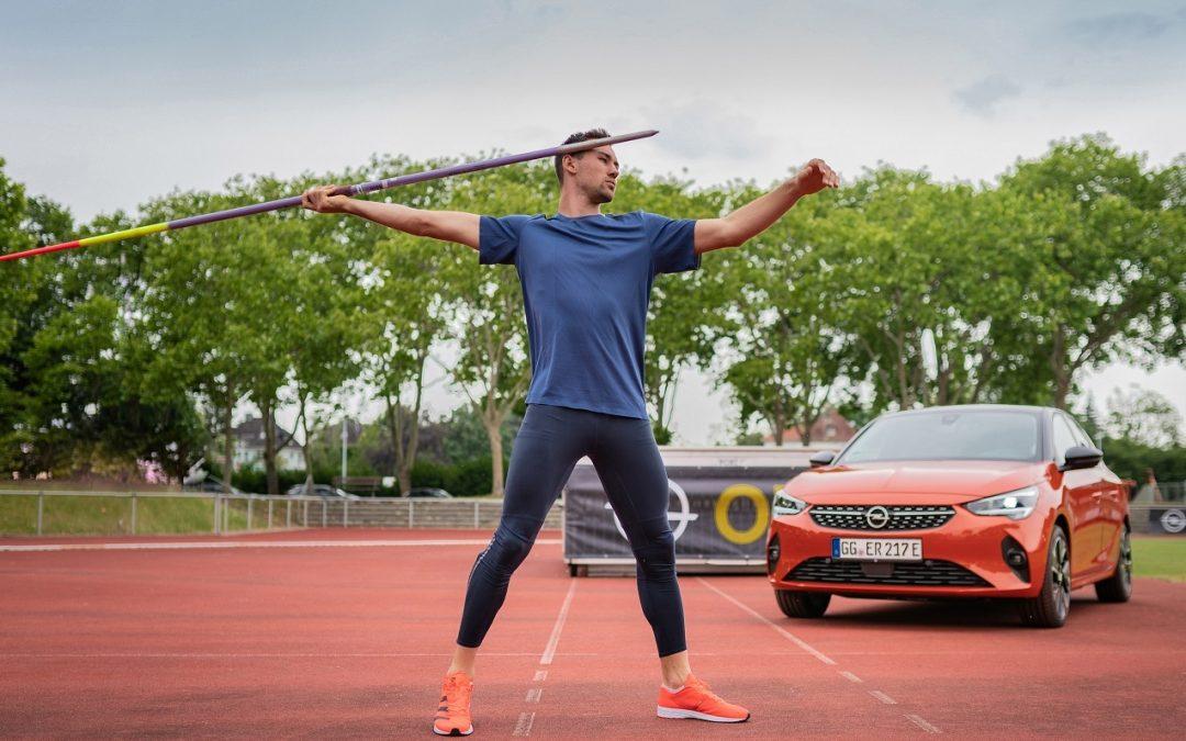 Opel Corsa-e: Τι σχέση έχει με το Δέκαθλο;