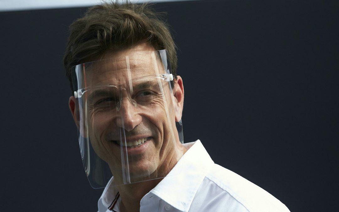 Τότο Βολφ: «Επιβάλλεται να είναι ανταγωνιστική η Ferrari»