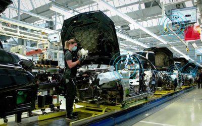 Mercedes: Πώς ψηφιοποιεί την παραγωγή οχημάτων;