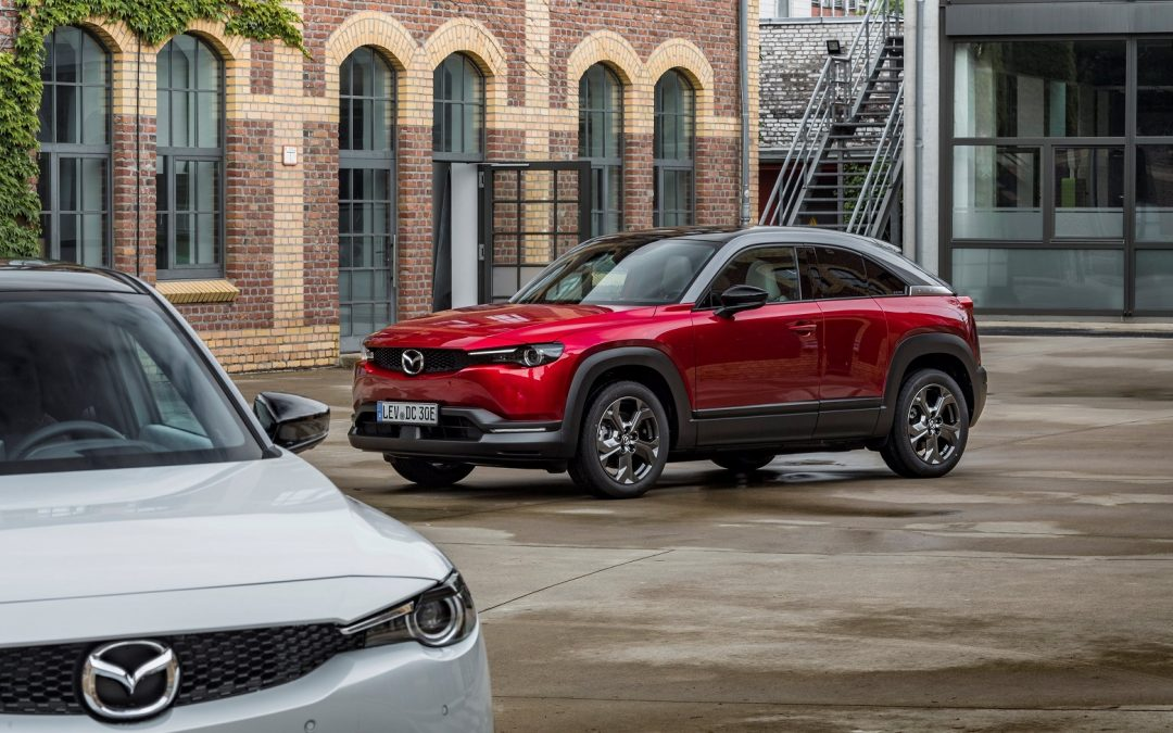 Νέο Mazda MX-30: Πότε θα συνδεθεί με ελληνικές πρίζες και πόσο κοστίζει;