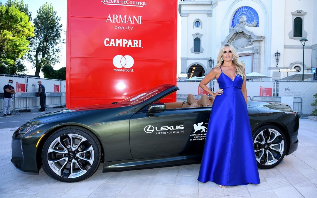 Lexus: Μεταφέρει πρωταγωνιστές της μεγάλης οθόνης