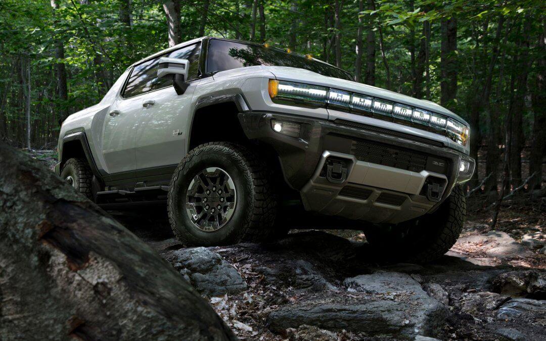 Hummer: Επέστρεψε, με δύναμη που μετακινεί βουνά (video)