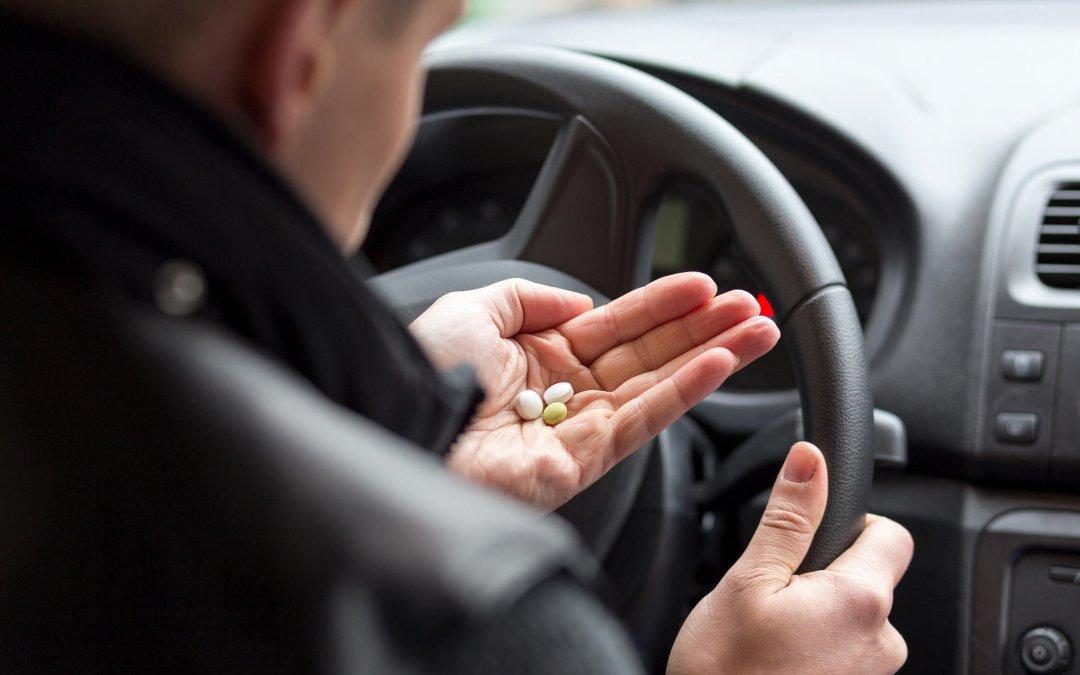 """Οδηγώντας με ασφάλεια: """"Έλα μωρέ. Τι θα μου κάνει ένα φαρμακάκι!"""""""