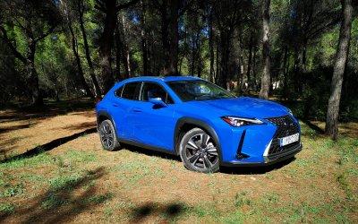 Πολυτέλεια και τεχνολογία προτάσσει το Lexus UX 250 h