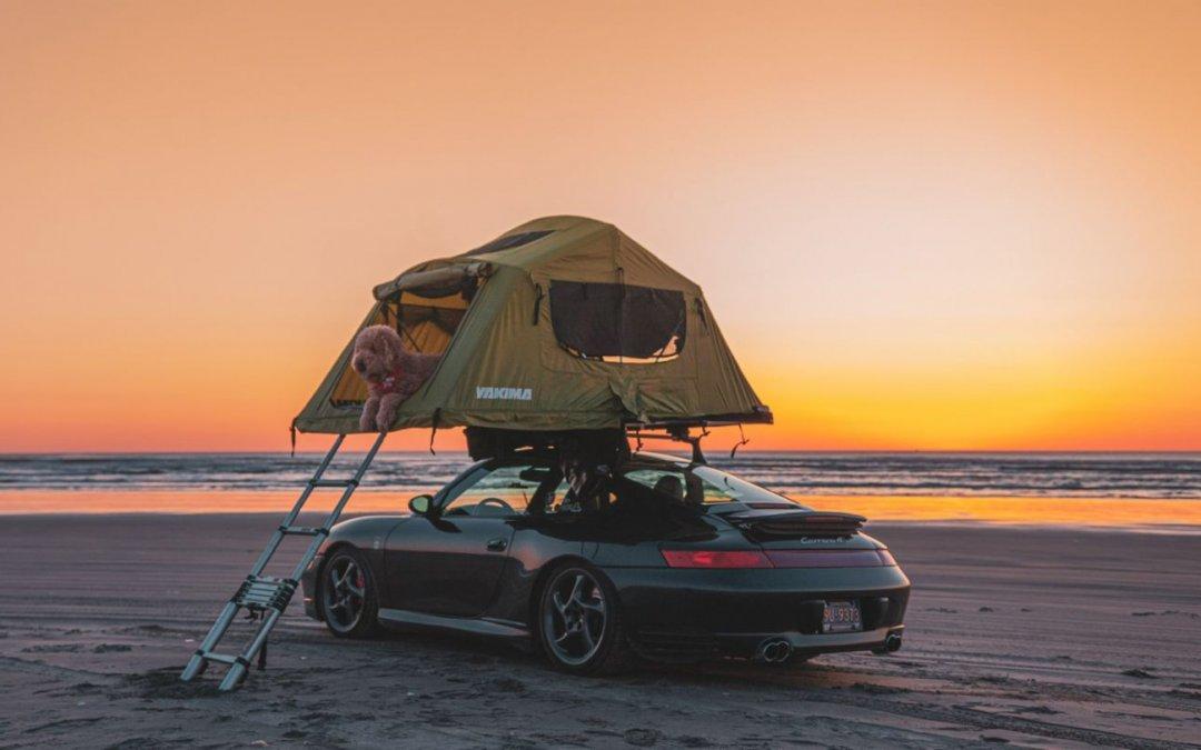 Porsche: Έστησε σκηνή στην οροφή μιας 911 Carrera 4S