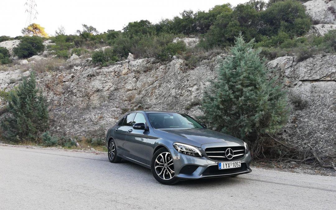 Mercedes C200 Auto: Σύγχρονη και παραδοσιακή