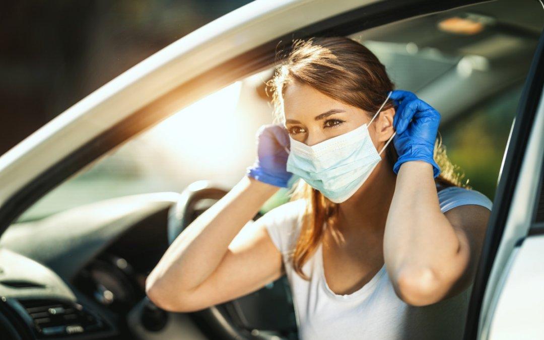 Πότε φοράμε μάσκα στο αυτοκίνητο και πότε ¨πέφτει¨ πρόστιμο;