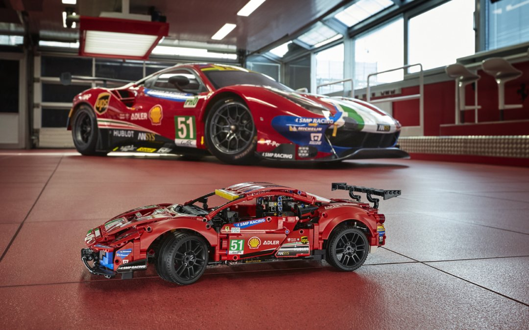 Ferrari: Φτιάξτε τη δική σας χειροποίητη 488 GTE (video)