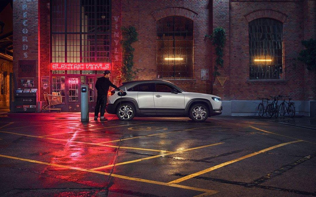 Mazda MX-30: Κάτι διαφορετικό δείχνει αυτή η φωτογραφία