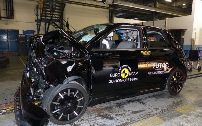 EuroNCAP-Honda e: Τέσσερα αστέρια στον «ουρανό» του (video)