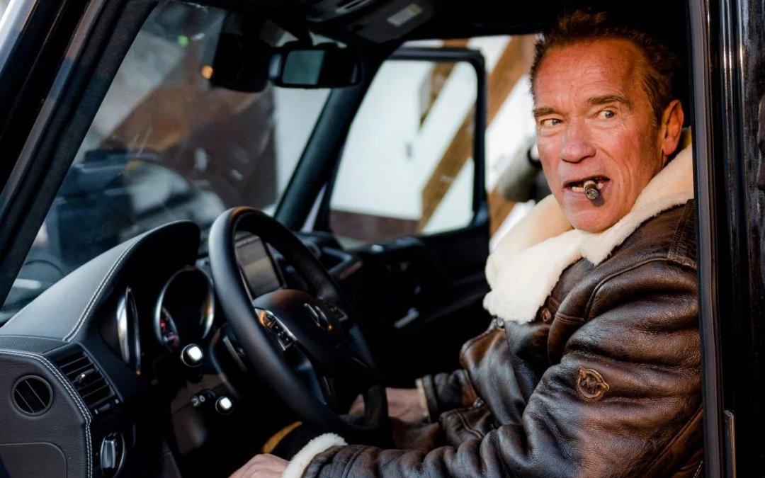 Το απίστευτα αυτοκίνητα στο γκαράζ (και το Τανκ) του Arnold Schwarzenegger (Photos)