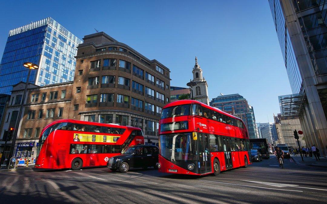 ΥΠΑ: Νέα αεροπορική οδηγία για αφίξεις από Αγγλία