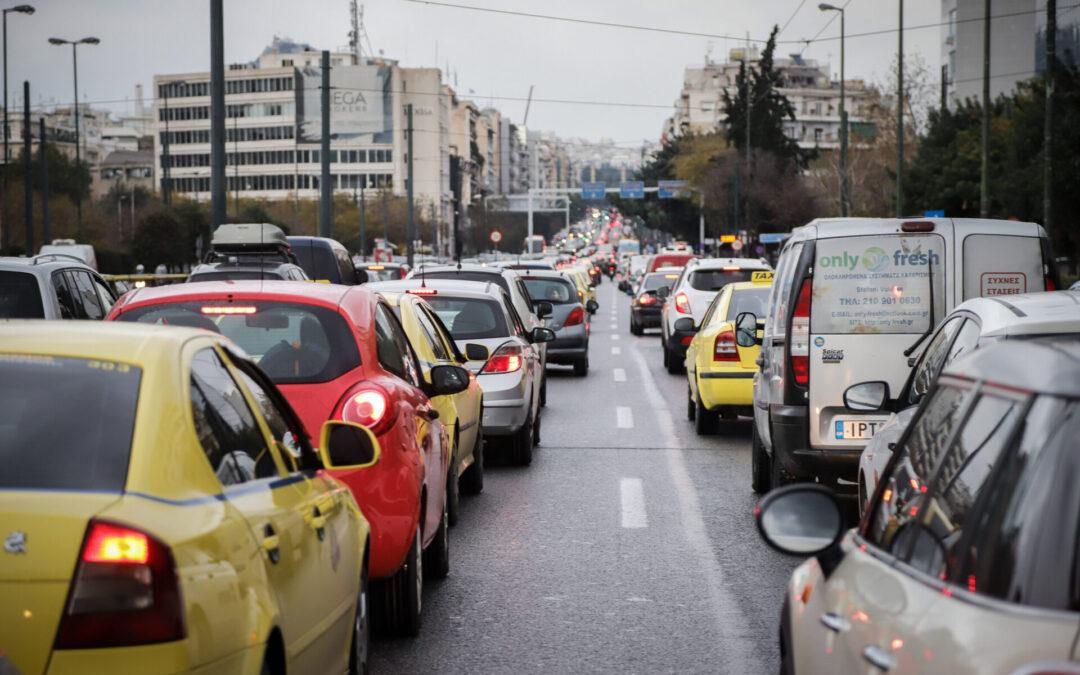 Πώς θα κρίνει ο «παντογνώστης» Έλληνας τα νέα συστήματα στα αυτοκίνητα;