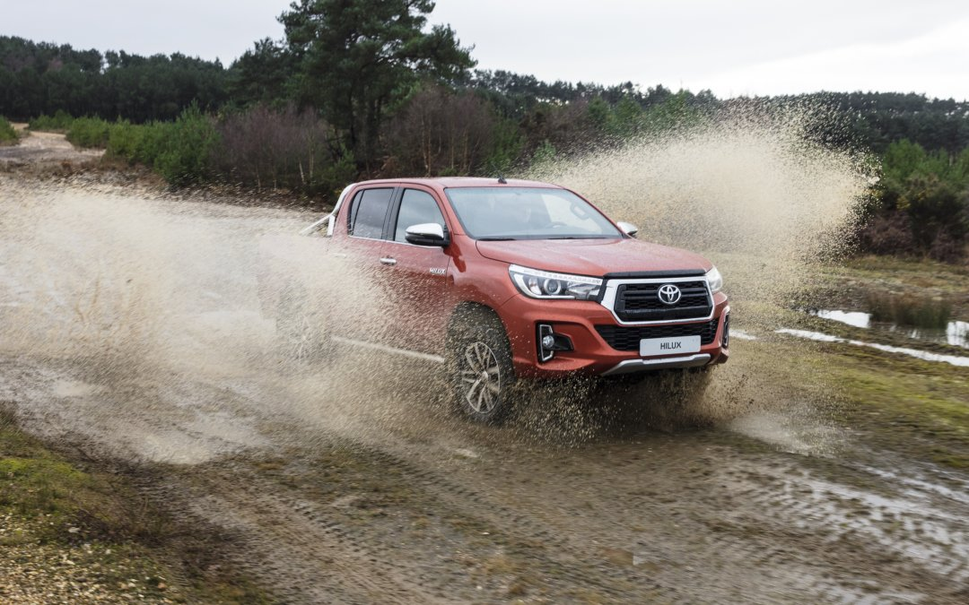 Toyota: Ανακαλούνται 548 Hilux στην Ελλάδα