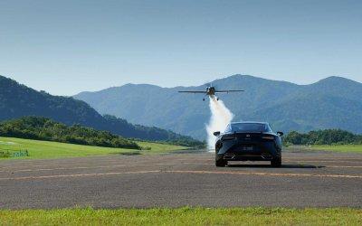 Lexus: Συλλεκτικό LC 500 με «φτερά» αεροσκάφους