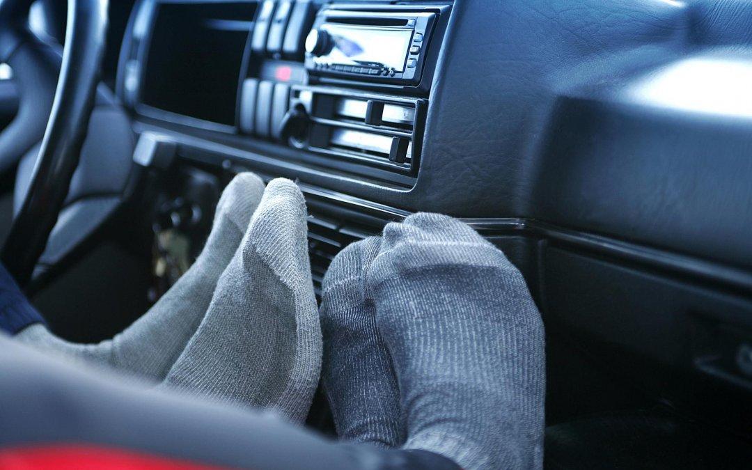 Ανάβετε το καλοριφέρ του αυτοκινήτου αλλά δεν ζεσταίνει; Δείτε τί φταίει!