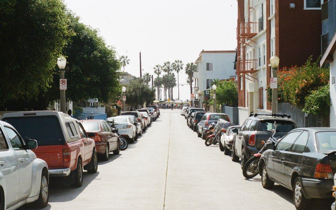 Οδηγώντας με ασφάλεια: Μπορεί το παρκάρισμα να γίνει επικίνδυνο;