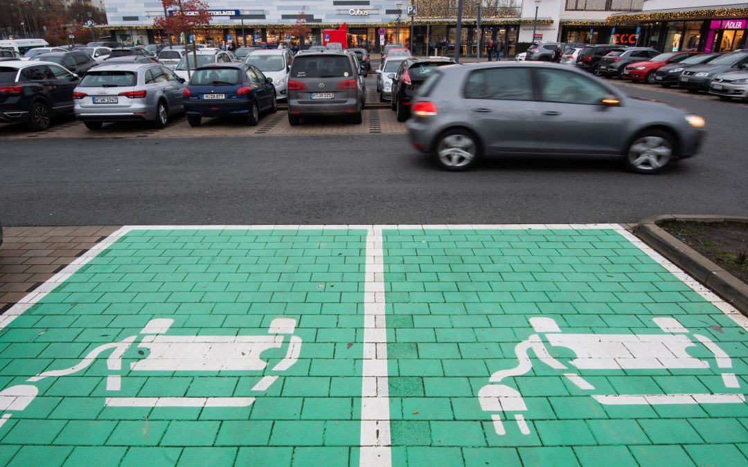 Επίσημο: Δωρεάν παρκινγκ για όλα τα ηλεκτρικά αυτοκίνητα