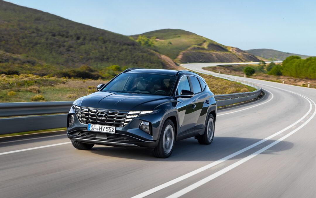 Νέο Hyundai Tucson: Ήρθε και προβάλει εικόνα από τη νεκρή γωνία στο καντράν