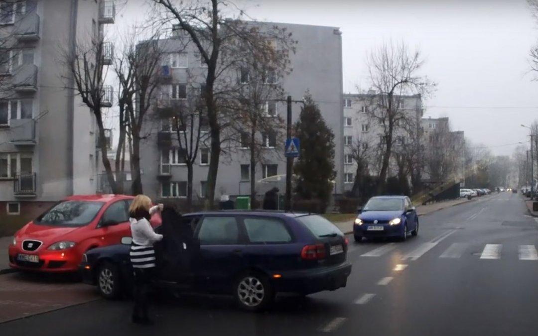 Σταματήστε ό,τι κάνετε: Αυτό είναι το παρκάρισμα του αιώνα! (Video)