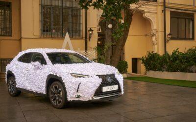 Lexus UX: Το ιδανικό για να μεταφέρει νύφη στην εκκλησία