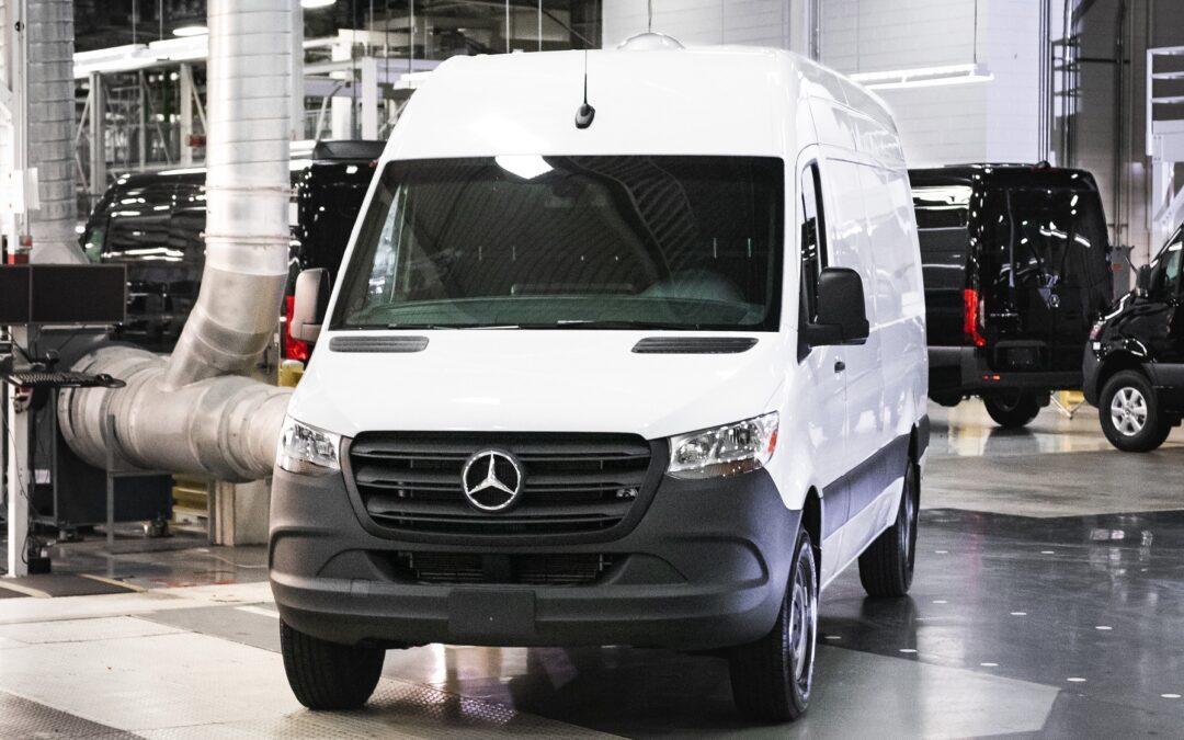 Mercedes: Ανακαλούνται 131 Sprinter στην Ελλάδα