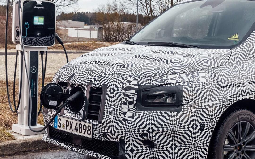 Νέο Mercedes Citan: Συνελήφθη καμουφλαρισμένο να φορτίζει