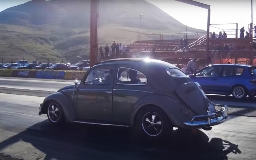 Σκαραβαίος τούμπανο, κάνει σκόνη τουρμπάτο Honda Civic (Video)