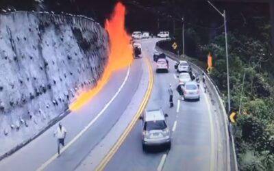 Κόλαση: Φλόγες κυνηγάνε οδηγούς στην εθνική οδό μετά από έκρηξη βυτιοφόρου! (Video)
