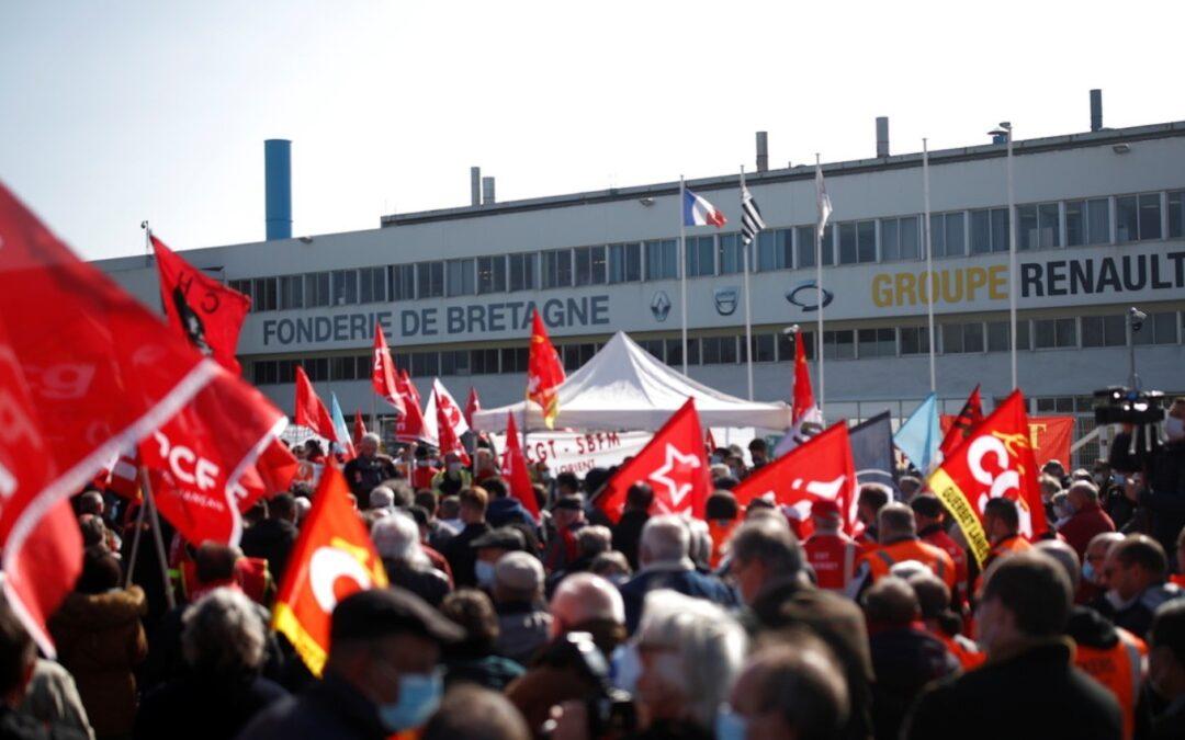 Γαλλία: Εργάτες της Renault πήραν ομήρους τους διευθυντές τους!