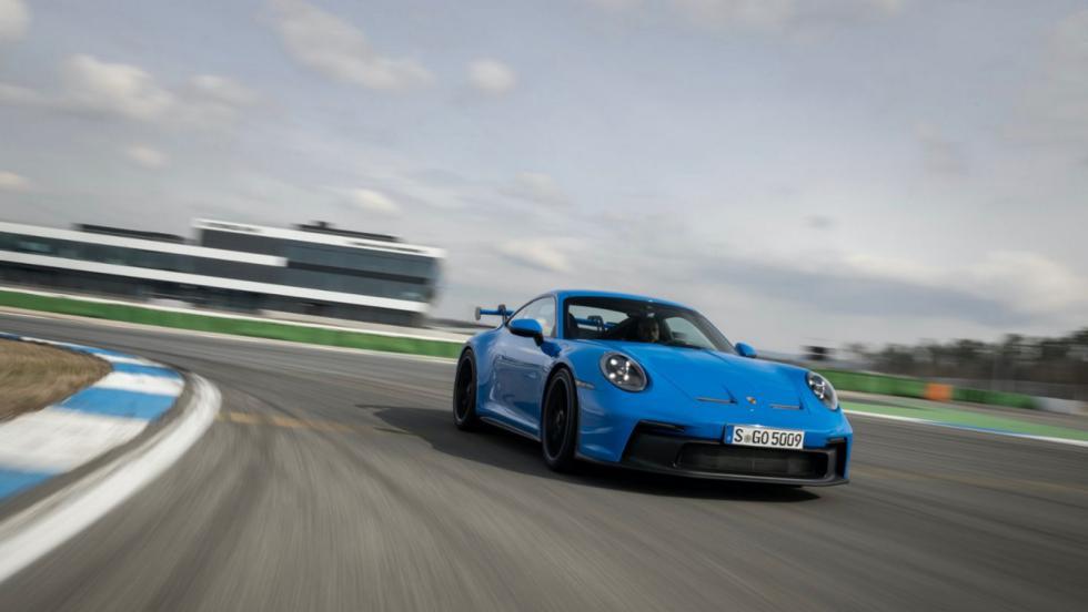 300χλμ./ώρα για σερί 5.000χλμ. έκανε η Porsche 911 GT3 πριν πάρει το οκ!