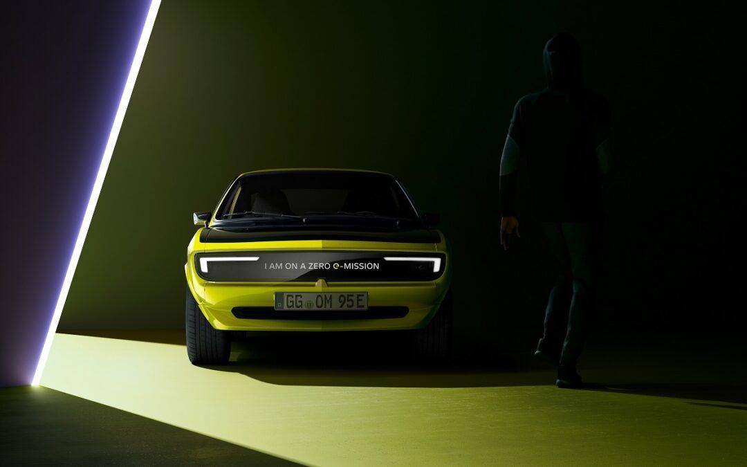 To Opel Manta επιστρέφει και θα μπορεί να μιλάει! (video)