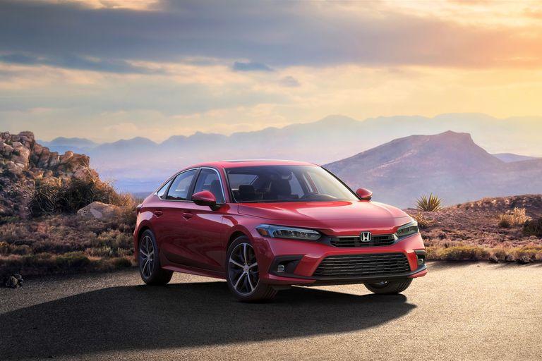 Επίσημη παρουσίαση για το νέο Honda Civic το οποίο μεταμορφώθηκε σε Accord
