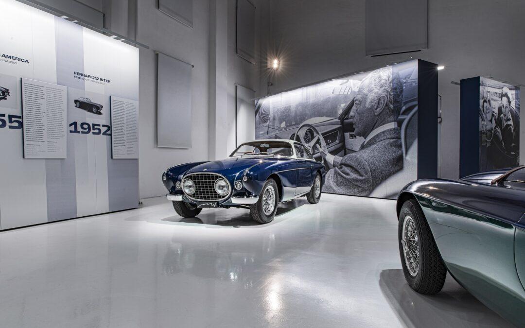 "Tι να σημαίνει άραγε το ""The Elegance of the Legend"" που το υπογράφει η Ferrari."
