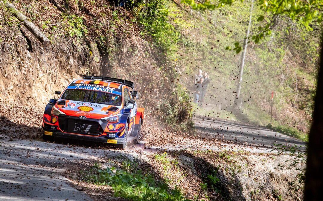 Έχει λυσσάξει ο Andrea Adamo της Hyundai Motorsport να κερδίσει τα Toyota Yaris WRC