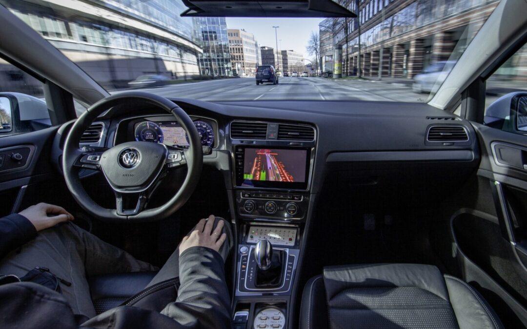 Χωρίς οδηγό θα πηγαίνουν τα VW το 2025