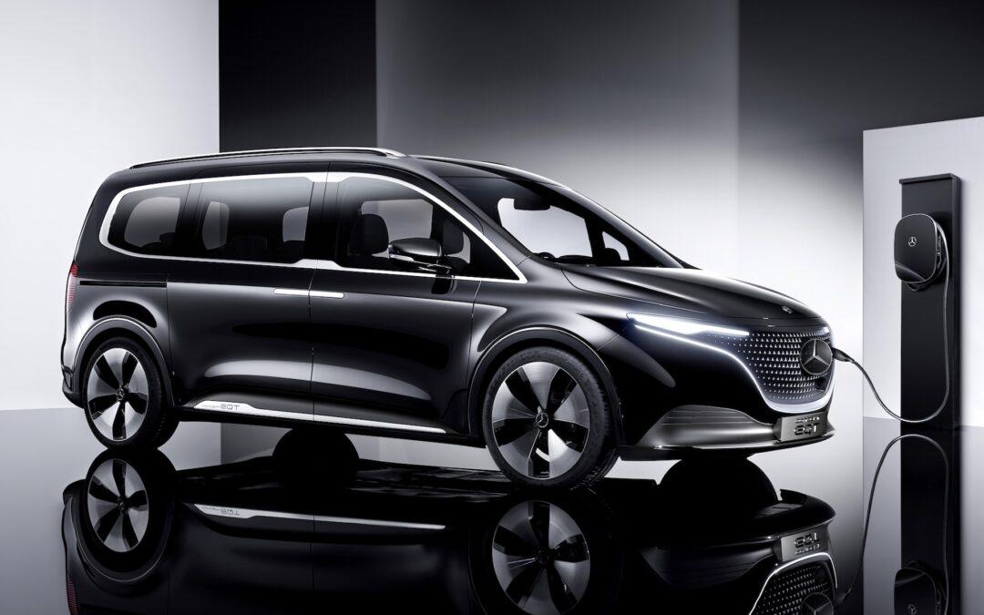 Πρώτη εκδρομή μετά το lockdown με όλη την παρέα μέσα στη νέα Mercedes Concept EQT