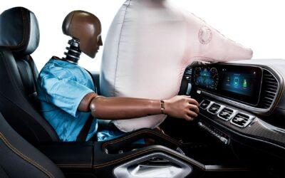 Οδηγώντας με ασφάλεια: Πότε ο αερόσακος γίνεται επικίνδυνος αντί για σωτήριος;