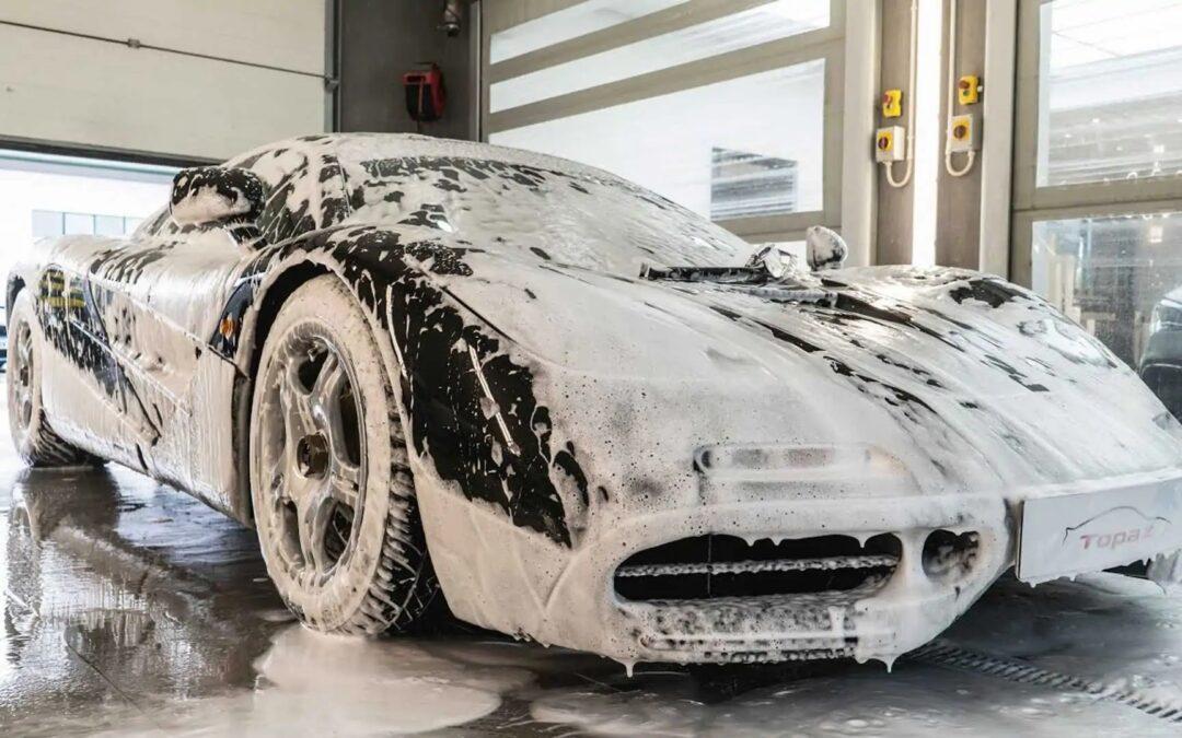 Όταν το πλύσιμο του αυτοκινήτου γίνεται ερωτική πράξη (video)