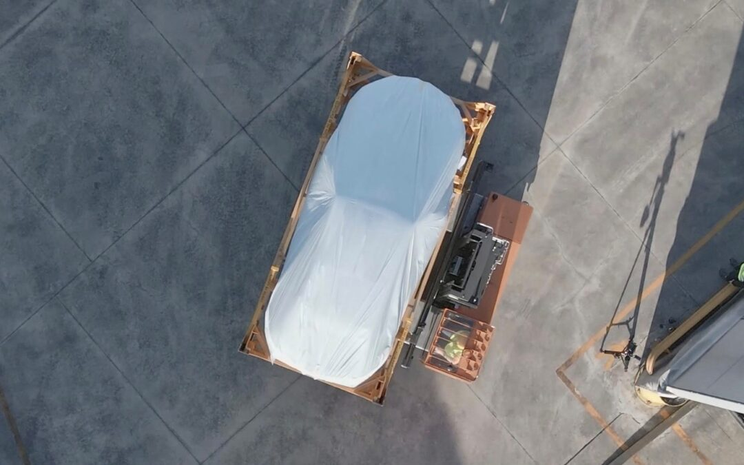 Lamborghini ταξιδεύει 1.000 χλμ. πάνω σε ράγες τρένου!