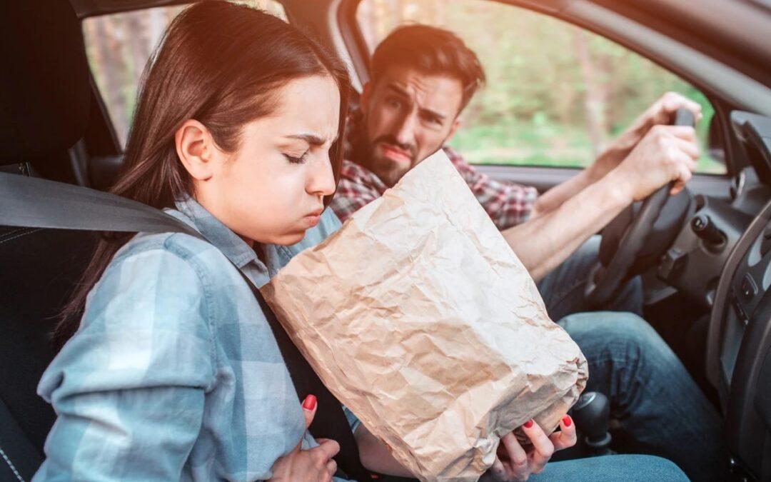 Ζαλάδα στο αυτοκίνητο;  5 σωτήρια tips ενάντια στο motion sickness!