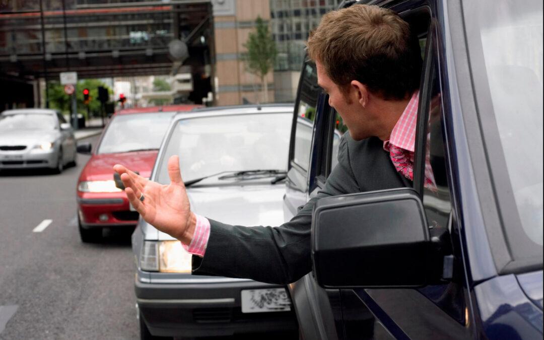 Γιατί η οδήγηση στην Ελλάδα μπορεί να σου σπάσει τα νεύρα; Φταίνε οι δρόμοι ή ο Έλληνας;
